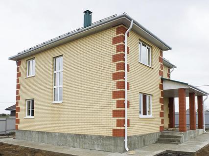Какие особенности имеет строительство домов из кирпича