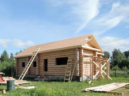 Строительство домов из сруба со стройфирмой или самостоятельно - что лучше?