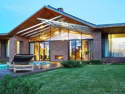 Заказать проект загородного дома индивидуально или выбрать готовый вариант?